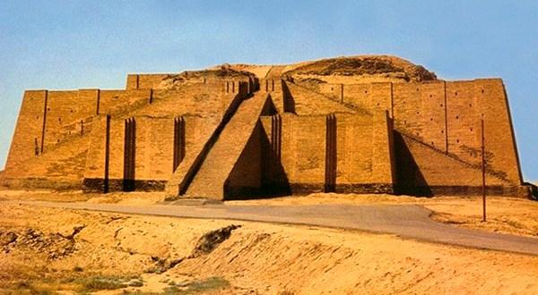imagem do monte Ur no iraque que será visitado pelo papa francisco paz e união