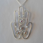 hamsa-pendant-silver-moonlight-detail
