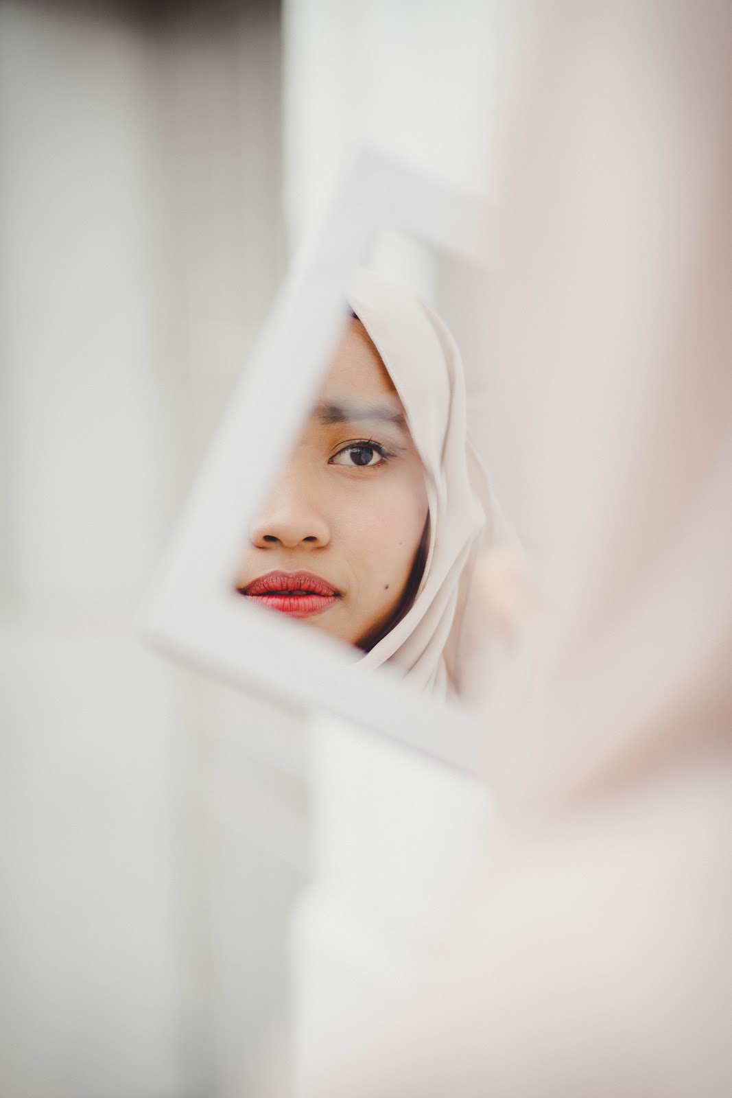 10 Creative Self Portrait Techniques That Will Inspire You