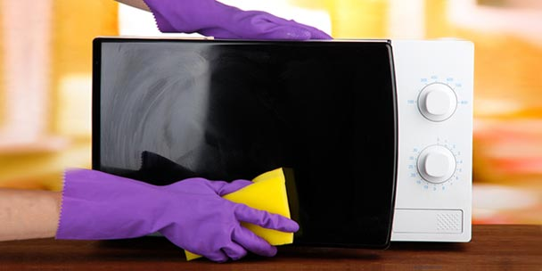 8 fascinating ways to clean your microwave