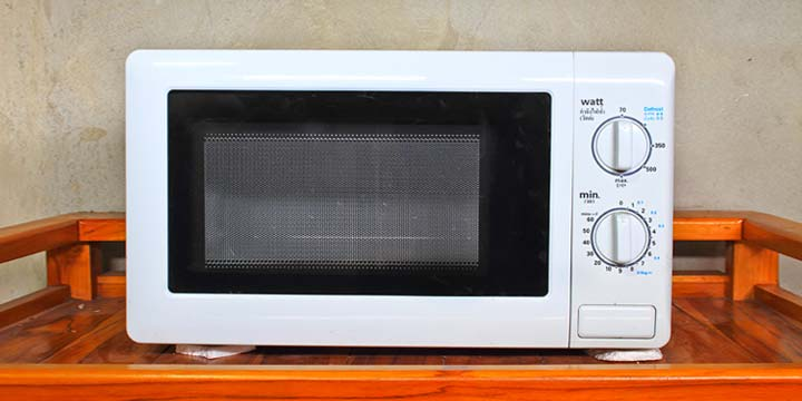 9 tips to keep your microwave in top