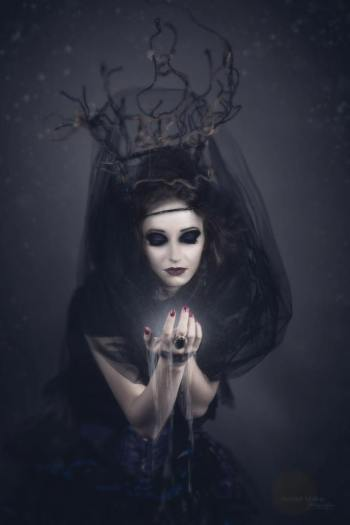 Banishing Discernment Protection magic Course online witchschool the house of twigs thot erika fortner