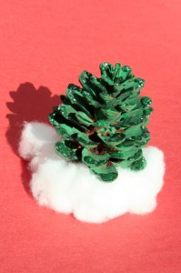 pine-cone-decorations-slideshowmainimage