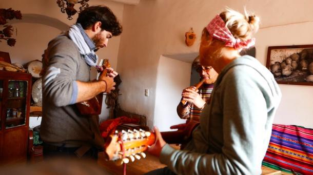 L&K#12 l Apprendre à jouer du charango péruvien