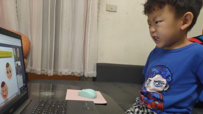 活潑的互動讓他願意聽老師說並提升對語言學習的興趣