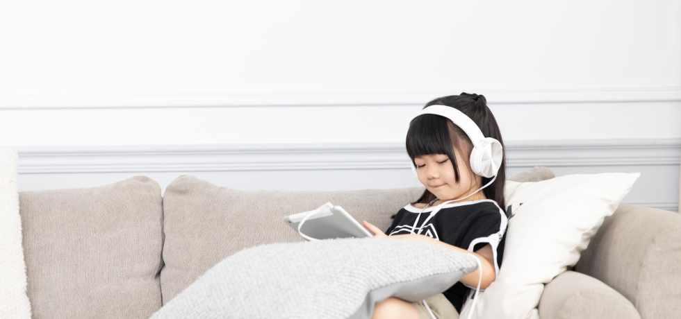 靜靜地聽音樂