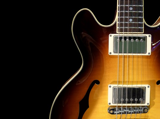 vintage-electric-guitar