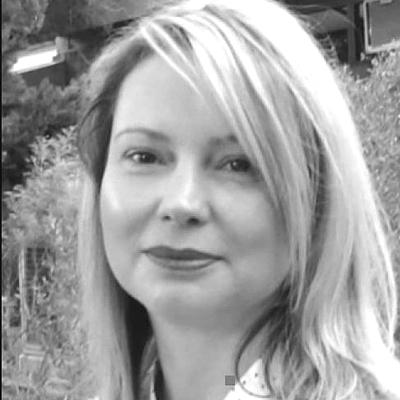 Dr. Lesley-Anne Ey photo