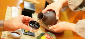 pouring_sake
