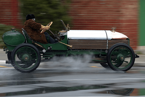 Peter Briggs' 1904 Napier L48 at speed.