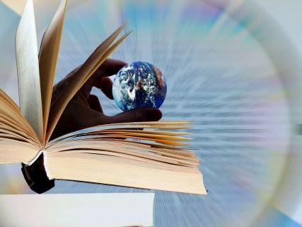 book-3536184_1920.jpg