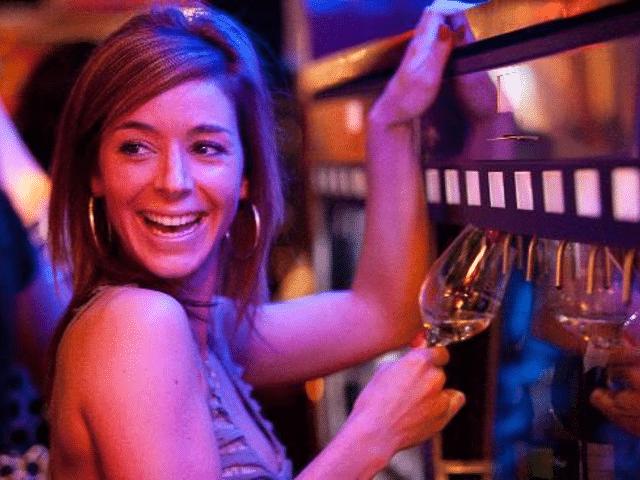 10-trucs-que-tu-peux-dire-a-ton-barman-mais-pas-a-ta-meuf-mec-Le_Barman_Vous_Deteste