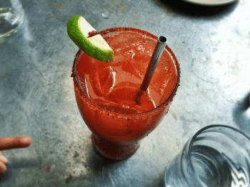 Michelada au jus de tomate - Le Barman Vous Deteste