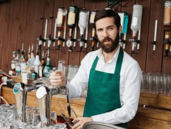 Top 5 des moments où un barman veut tout casser - Le Barman Vous Deteste