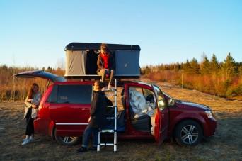 Tente de toit sur dodge grand caravan - van aménagé