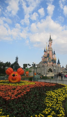 decos-halloween-disneyland-8