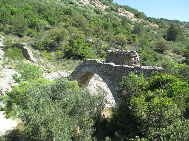 Le Pont des Fées Grimaud Var