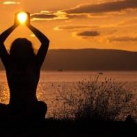 Anna Trökes: Yoga der Verbundenheit