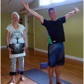 Schlichtes Studio. Hatha-Yoga ohne viel meditieren.