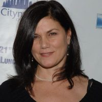 What the Hell Happened to Linda Fiorentino?