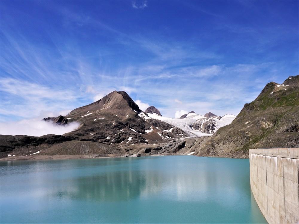 Der Griessee und im Hintergrund der Griesgletscher