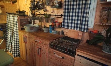Minimalismus im Mobilen DIY Zuhause: Kleiner Einblick in unseren Bauwagen
