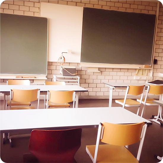 12 von 12 - März 2014 - Schule - Schulklasse leer
