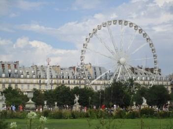 Riesenrad vor dem Louvre