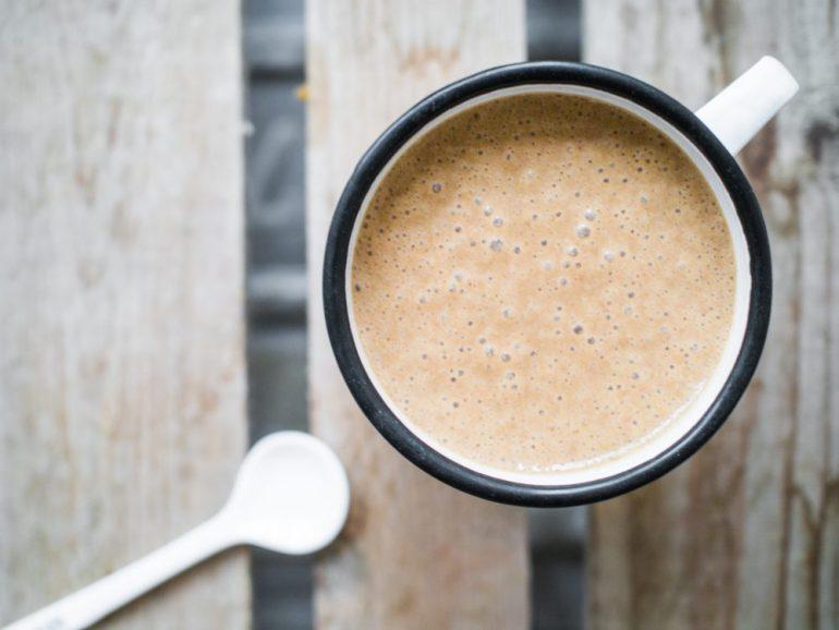 Espresso Smoothie Bowl in einer Tasse