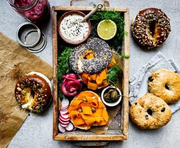 Karottenlachs-Bagel: Vegane Alternative zum NYC Klassiker mit Lachs und Frischkäse