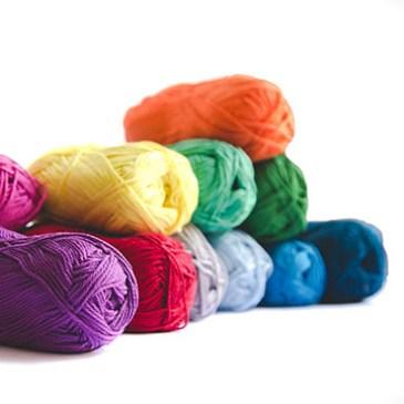 Comment bien choisir son matériel pour apprendre à tricoter facilement