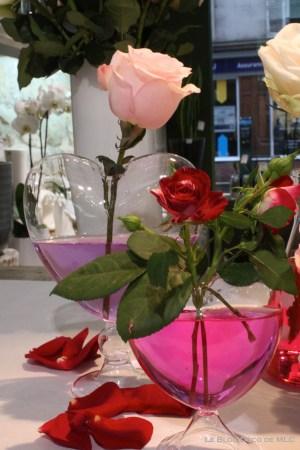 DIY-Saint-Valentin-une-jolie-composition-roses-les-2-coeurs