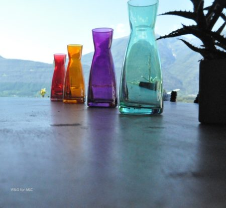 Villa-design-jolie-terrasse-deco-table-exterieur