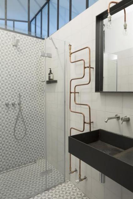 cuivre-tube-radiateur-salle-de bain-deco-Maxime Jansens-Architecte
