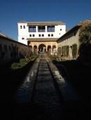Le Patio représente le paradis musulman. Au centre, on y retrouve toujours une source d'eau.
