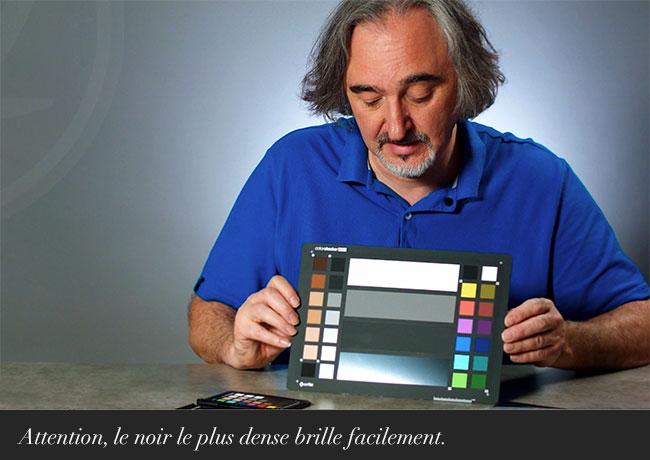 Attention, le noir dense brille facilement.