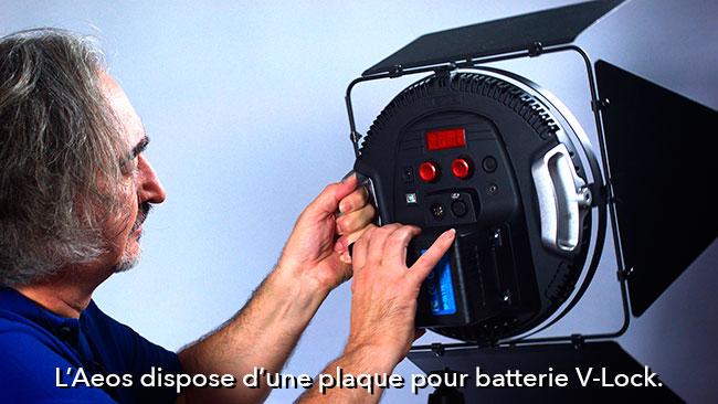 L'Aeos dispose d'une plaque pour batterie V-Lock.