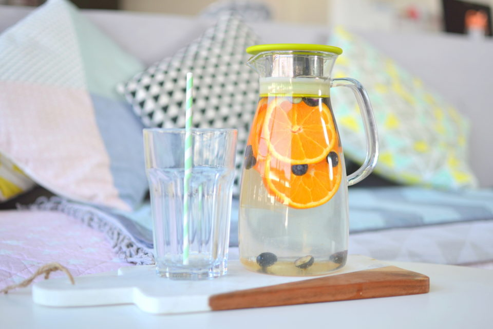 detox-water-eau-orange-myrtille