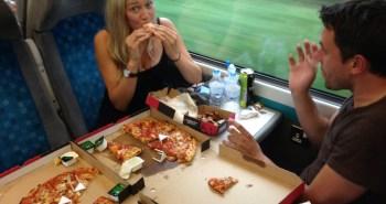pizza hut train