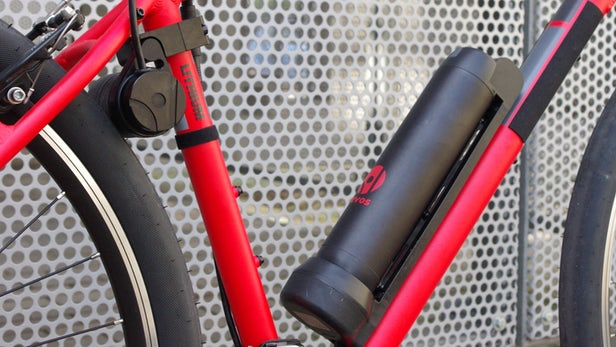 Revos – Un kit qui convertit presque n'importe quel vélo en un vélo électrique en moins de 10 minutes