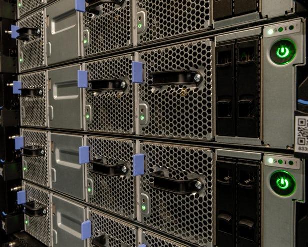Summit – Le superordinateur le plus puissant du monde gère des calculs stupéfiants de 200 000 trillions par seconde