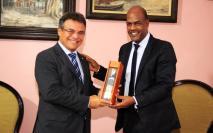 O prefeito de Belem Zenaldo Coutinho e o governador da Martinica Serge Letchimy