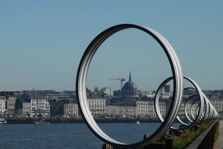 O Voyage à Nantes espalhando arte na cidade e no Rio Loire