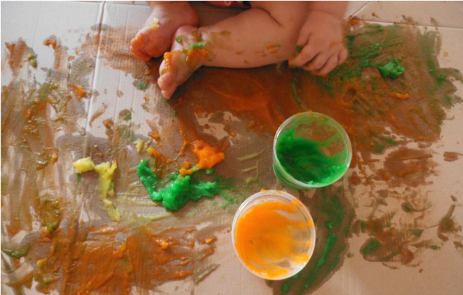 peinture-doigt-comestible-maizena-activite-bebe