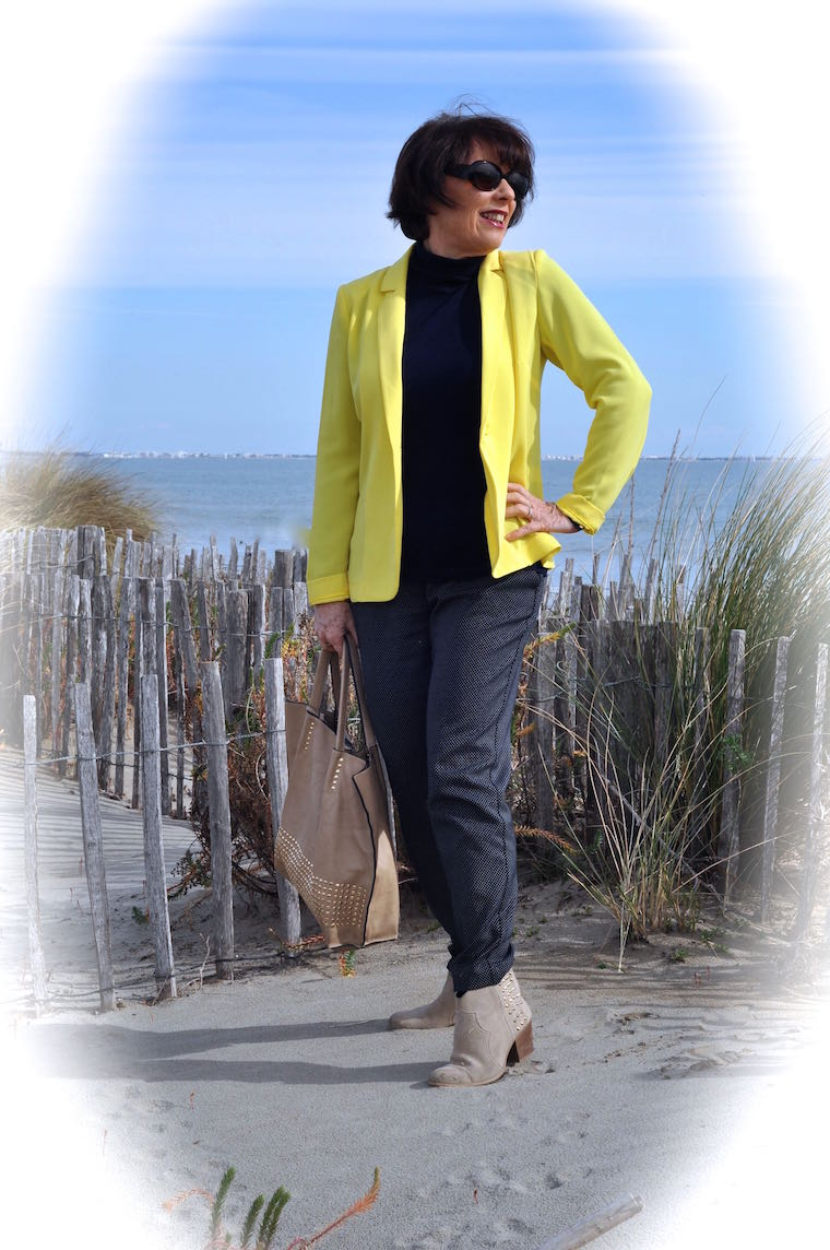 tenue de printemps la veste jaune