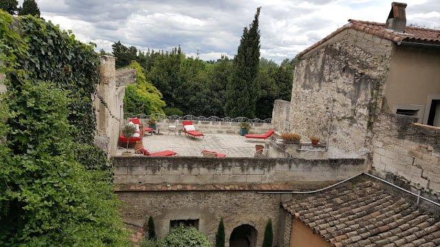 Si vous cherchez un hôtel de charme, dans la région d'Avignon une seule adresse !