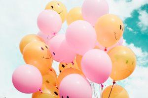 Ballons souriants