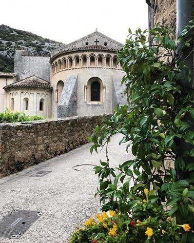 abbaye-de-gellone-a-saint-guilhem-le-desert-