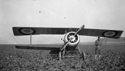 Appareil du pilote américain de l'escadrille Lafayette Courtney Campbell qu'il a réussi à poser après avoir perdu une aile.