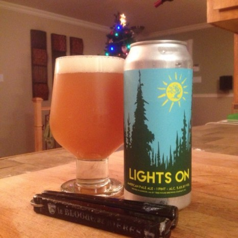10 - Tree House Brewing - Lights On: Thanks to my good friend derek for sending me this one. Whit that simple pale ale, I understood all the hype going around this nice brewery. This pale ale was very easy to drink. The fruits aromas were incredible ! can't wait to visit you in 2016 !